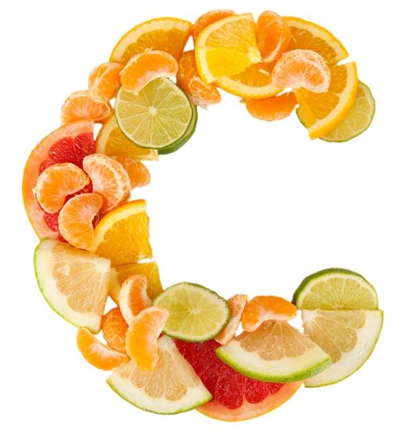 Letošní chřipková vlna se láme: Jsou megadávky C vitamínu nebezpečným šílenstvím? Nulové riziko? Udivující objev amerického lékaře. A jak souvisejí vitamíny sleteckým provozem?