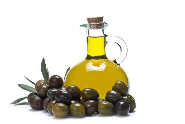 Bolí vás hlava? Vezměte si olivový olej. Něco na vás leze? Máte kocovinu či kuřácký kašel? Olivový olej to zvládne! Co mají společného olivy a okena?
