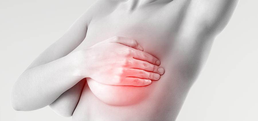 Bolesti prsou: Důvody proč ženy bolí prsa