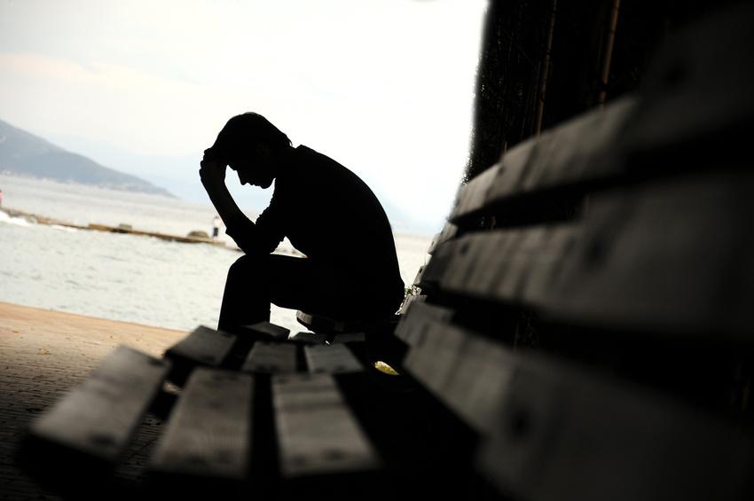 Jak na deprese bez antidepresiv? Zkuste tyto bylinky i další naše tipy…
