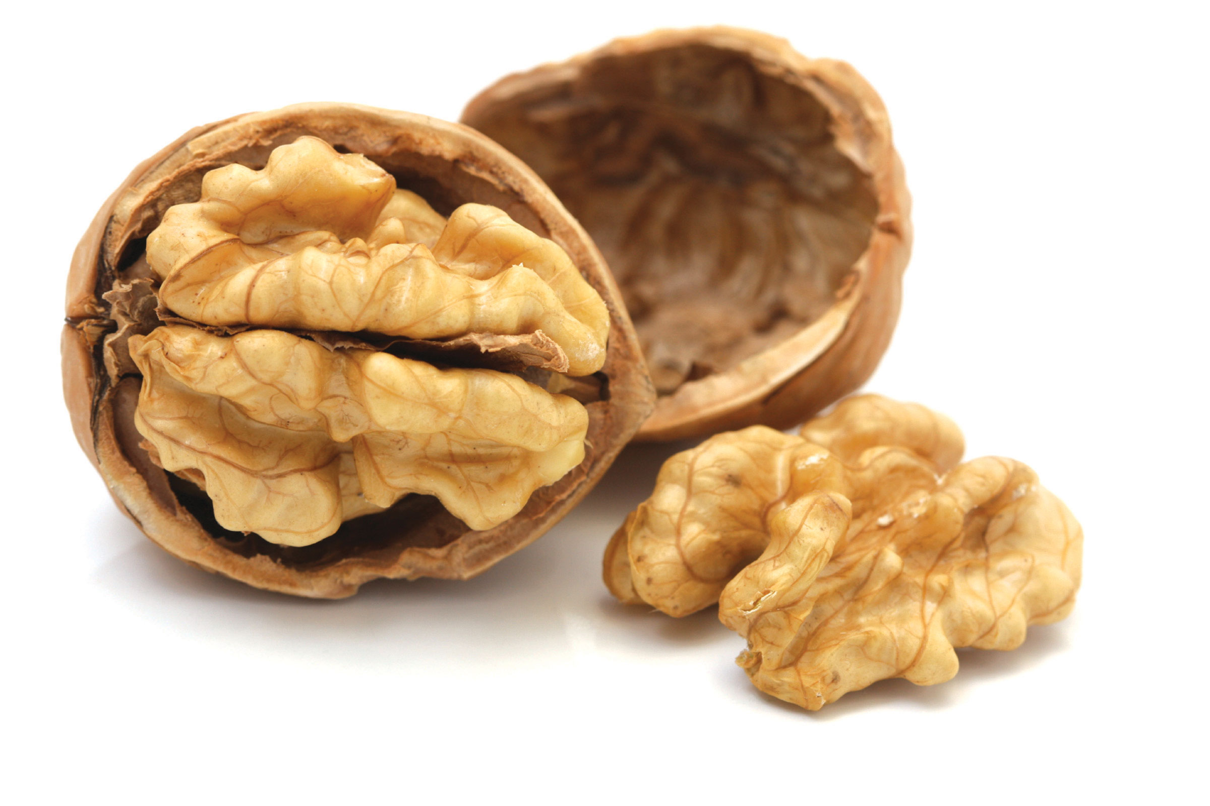 Pravidelná konzumace vlašských ořechů snižuje riziko úmrtí na srdeční choroby nebo rakovinu až o 50%