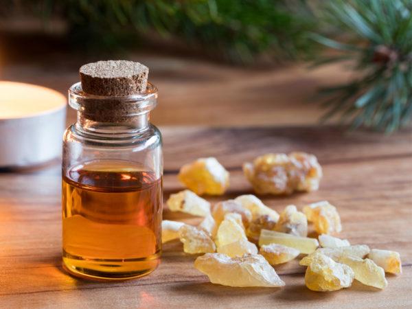 Král éterických olejů: Ničí rakovinné buňky prsu, pankreasu i melanomu
