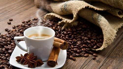 Proč by měl každý člověk nad 45 let pít kávu každý den