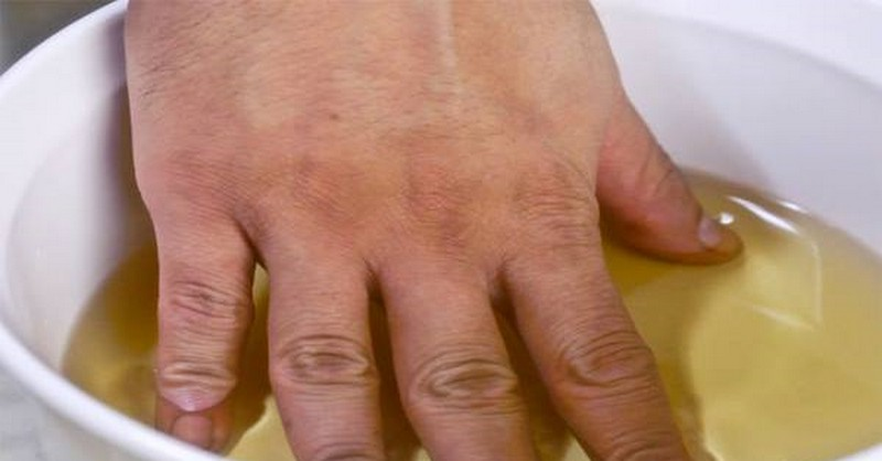 Dokonalá koupel proti revmatu: Zbaví vás bolestí kloubů na rukou, nohou a krku!